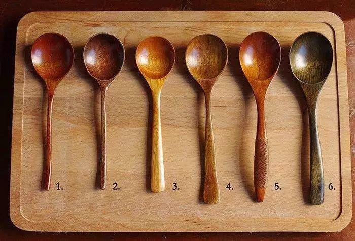 厨房用这种勺子等于慢性自杀!赶紧换掉!