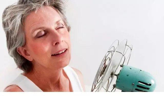 夏季会出汗是肯定的,但女性大量出汗可能是...