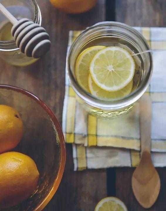 【听健康】常喝柠檬水,但90%的人还不知道这个秘密?
