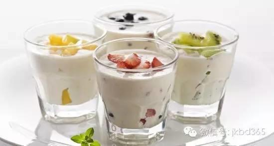 【听健康】酸奶的6个问题,和它一起吃会致癌?