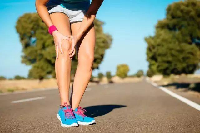 关节炎,膝盖痛?每天坚持这个动作,强健关节,用到百岁都不痛!