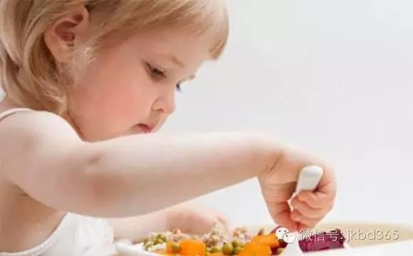 """【听健康】原来你每天都在""""挨饿"""",数十亿人深受其害却不知道!"""