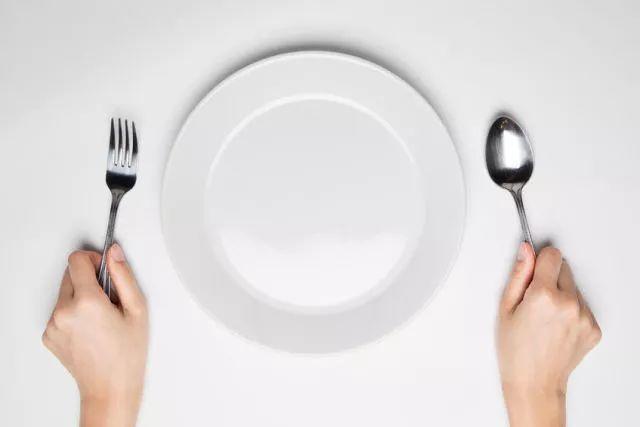 晚餐千万别这样吃,再喜欢也要戒口!后果很可怕…