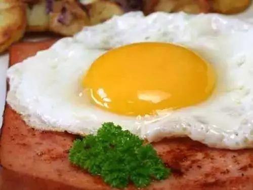 鸡蛋该在什么时候吃?早上吃到底好不好?