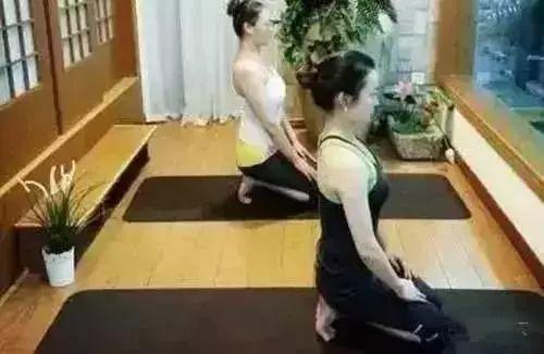 【健康】每天这样趴10分钟,体态年轻又治病!