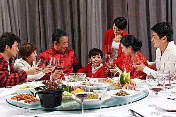 除夕来了!如何准备一桌健康又营养的年夜饭?