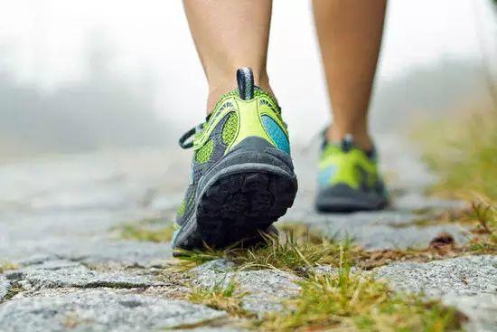 坚持每天做这事,把血糖、脂肪肝、血压…一笔勾销!不花一分钱!