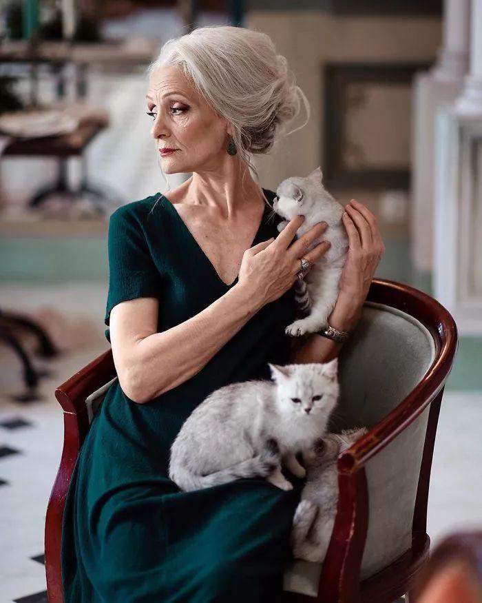 美丽无关岁月,老年的女人也可以很美!