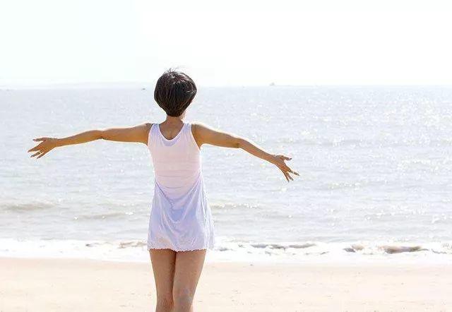 比跑步和走路更简单的运动,能调理肺腑、抗癌美容,打死都想不到!