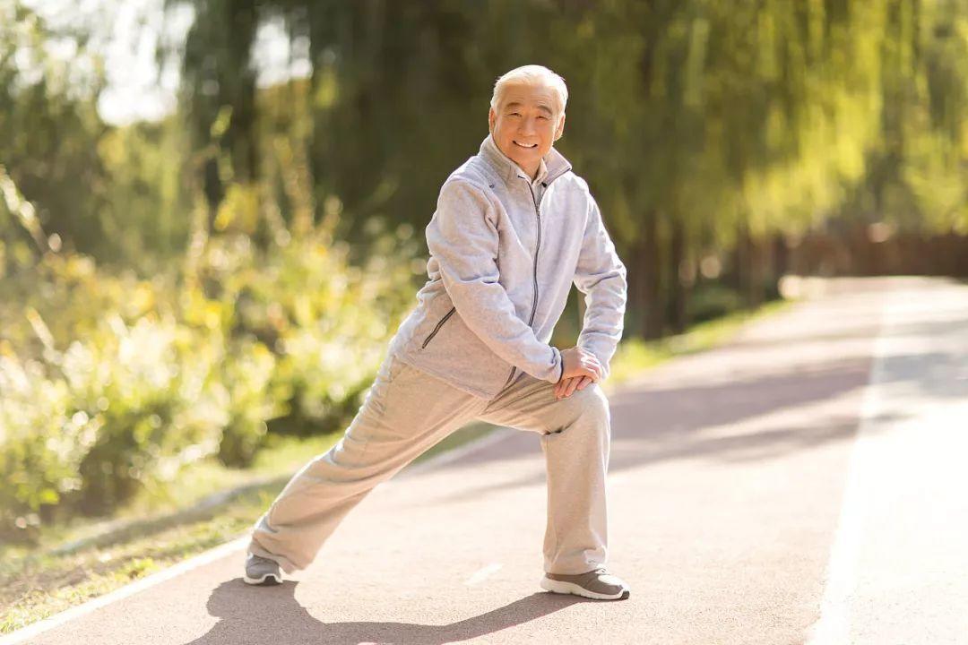 50岁后要少动,休息才是最好的运动!北大最长寿教授都认同