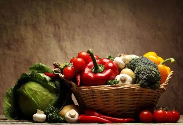 【听健康】教你一分钟看懂食物的寒热属性,不用担心吃错啦~