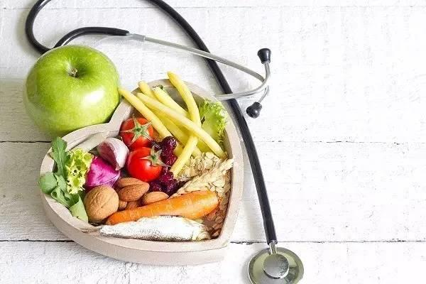【听健康】为什么现代人吃得多,却仍然会营养不足?