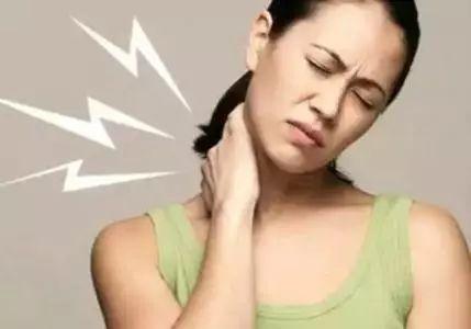 脖子不舒服转一转?停!小心这个动作可能会有致命风险!