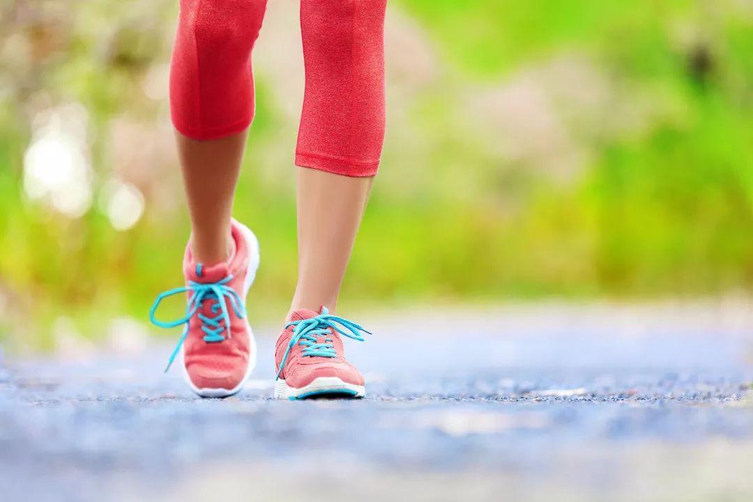 寿命长短能从走路看出来?这些人换种走法,疾病风险能下降……