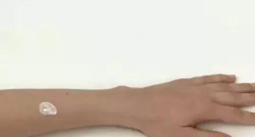 蚊子咬,一秒止痒!比花露水 风油精好用多了,无毒副作用!