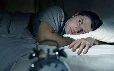 【听健康】长期23点以后睡,小心这7个地方先坏!补再多觉都没用!