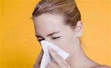 鼻炎犯了不用怕,1个动作,鼻子瞬间不塞不痒,一身轻松