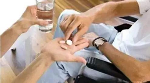 几块钱一瓶的维生素B2,横扫这些疾病,值得收藏!