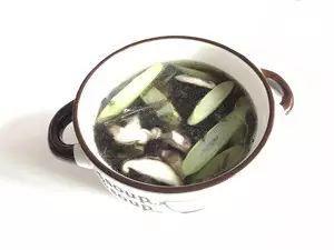 【听健康】血管最怕堵,一碗汤,让血管干净如新,不到2元钱!心内科医生都吃!