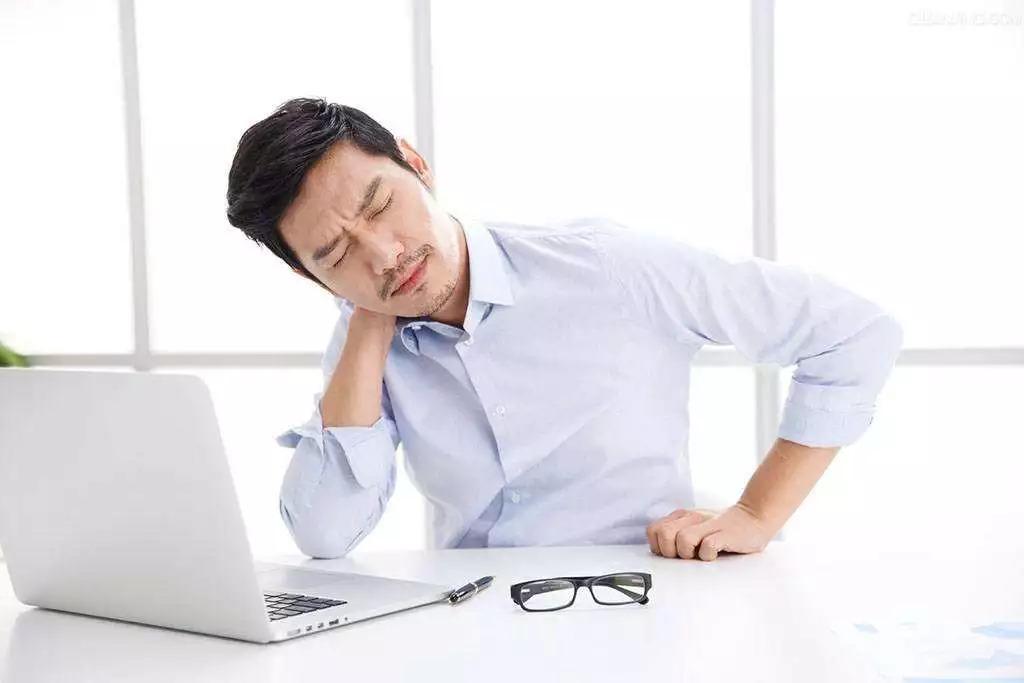 老中医推荐:一个动作,只要三分钟,气血传遍全身,颈椎腰椎都好了