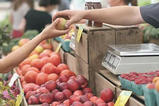 天冷了,水果就要热着吃!营养不同、效果翻倍,怕冷的看过来!