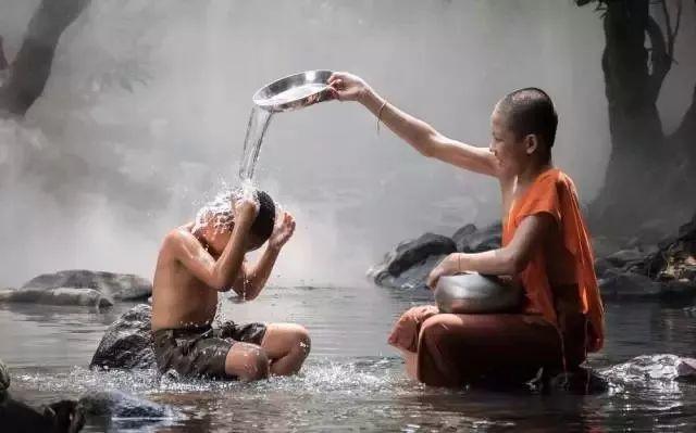 父母最心寒的是,子女一边依赖一边嫌弃