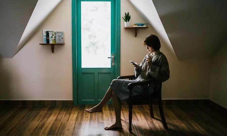 """久坐相当于""""慢性自杀"""":每天坐多久,决定了你的寿命"""