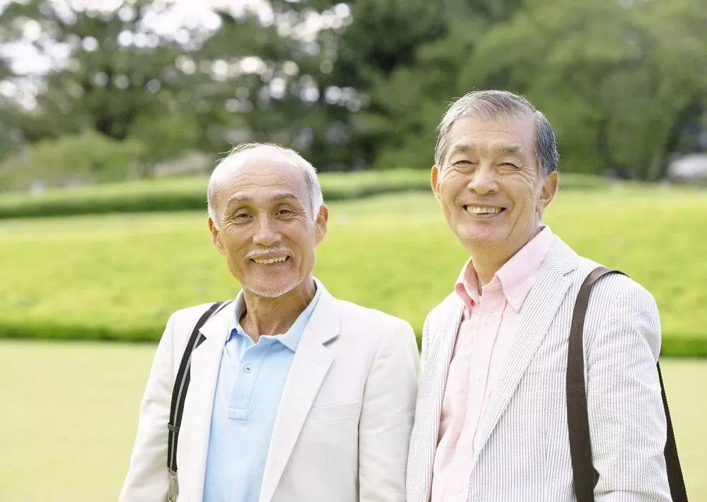 """50岁后,健康的人会有""""一深 二小 三大"""",占一个,恭喜你长寿!"""